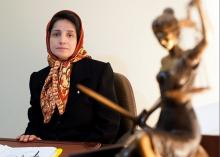 Nasrin Sotoudeh and 10 other political prisoners freed on the eve of Rohani's visit to New York